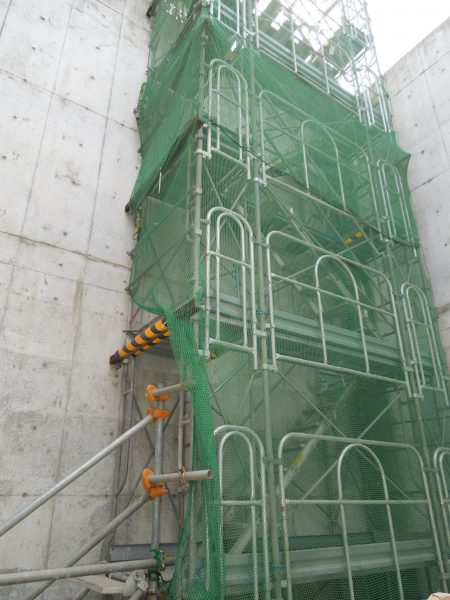 仮設昇降階段 画像